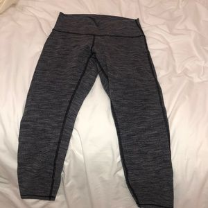 Gray patterned lulu lemon leggings